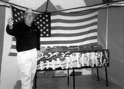 Figure 3. Carny showman Bobby Reynolds presents a blade-box illusion at New York's Erie County Fair, 1999 (author's photo) (click for larger view)